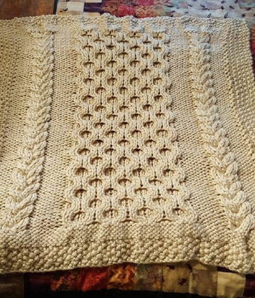 cropped bulky baby blanket